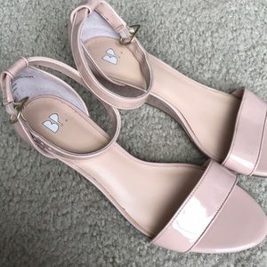 Nude/blush patent faux leather sandal wedges